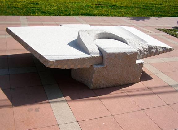 Mesa de Granito III